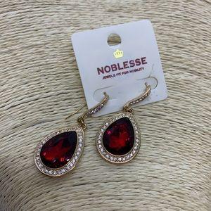 Noblesse Teardrop Earrings